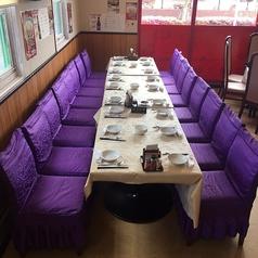 テーブル席です。 4名様掛けが5卓、2名様掛けが2卓ございます。