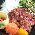 料理メニュー写真黒毛和牛いちぼ肉たたき