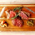 肉の質と焼き方にこだわった贅沢な脂の旨味をご堪能下さい!とても柔らかくてジューシーです!赤身肉は柔らかく、くせがないのでオススメ!