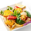 料理メニュー写真インド風カッテージチーズと野菜のグリル(4個)