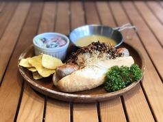 新潟のお肉屋さんが丁寧に仕込んだ  希少種 深雪もち豚のサルシッチャHot ド pig