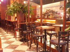 【1F】ランチやカフェ使いなど気軽に利用できる空間