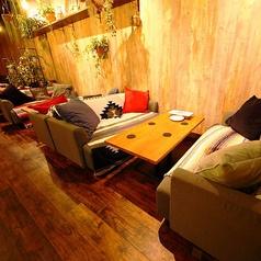 2名様~ご利用できるソファー席◆大人気のためぜひ事前のご予約をお願いいたします。