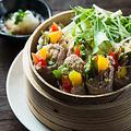 料理メニュー写真イベリコ豚と野菜の蒸ししゃぶサラダ