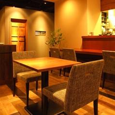 デートやお食事に☆2名テーブル席を用意!