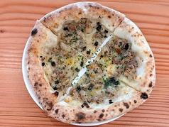 黒トリュフとサルシッシャのピッツァ
