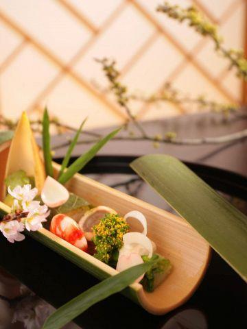 接待やお顔合わせ、記念日等、日本海の美味しいお料理と心尽しのおもてなしの店