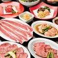 肉どうしの焼肉コースには、飲み放題付きのコースもございます。ホルモン盛りや焼きしゃぶなど、当店でしか味わえない内容となっています。定番のビールやカクテルなど様々な種類のドリンクもご用意しております。飲み放題付コースは全8品/5000円からご用意しています。ぜひ、各種ご宴会にご利用下さい。
