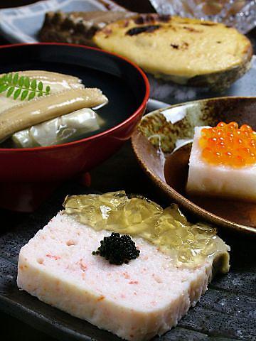 ウニやアワビなど特選素材を丁寧に手作りした珠玉の料理をご堪能下さい