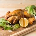 料理メニュー写真パリパリ感がたまらない!丸鶏ロテチキ
