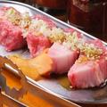 料理メニュー写真厚切りカルビ