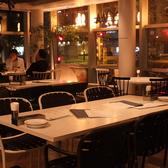 夜は暗めの照明でまったりくつろげます♪「クッチーナカフェ オリーヴァ」は、普段使いから特別な一日まで、あらゆるシーンでご利用可能★【女子会/デート/ランチ/ウエディング/カフェ/スイーツ/イタリアン/おしゃれ/パスタ/ピザ/肉/誕生日/記念日/高田馬場】