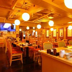 総席数70席!大型TVも完備の店内。歓送迎会や忘新年会など各種宴会利用にどうぞ。飲み放題付コースは3000円~と、「安くて旨い」を実現します!