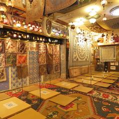 JR・京成日暮里駅から谷中銀座商店街方面へ向い階段下ると右手のビル1Fにございます。