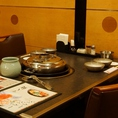 【少人数席】接待や大切な方とのお食事などには高級感ある銀の鍋で贅沢しゃぶしゃぶを。