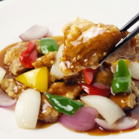香港料理界随一の名シェフ周中氏がGrand Chefとして全メニューを監修する、周氏の料理が堪能できる国内随一のレストラン『白金亭』の味をお楽しみください。