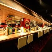 オープンキッチンを囲むおしゃれなハイカウンター席!デートや記念日などに最適のお席です。
