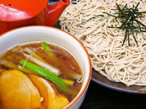 国産の石臼挽き蕎麦を使用。長年伝えられてきたつゆで味わえるお蕎麦屋さん。