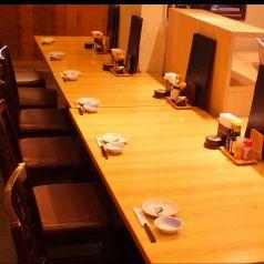 1名から使えるテーブル席。会社帰りのサク飲みや食事使いに