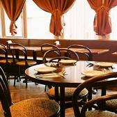2名様テーブルを多数ご用意しておりますので、状況に応じて席数を変更することができます!