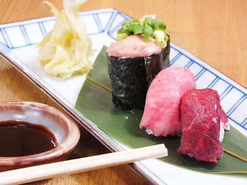 ロマン地下内にある馬肉・和牛にこだわった寿司酒場【肉寿司】