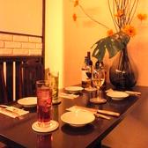 ゆったりと広々座れるテーブル席でお食事お楽しみいただければ幸いです♪