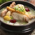 料理メニュー写真自家製参鶏湯(サムゲタン)