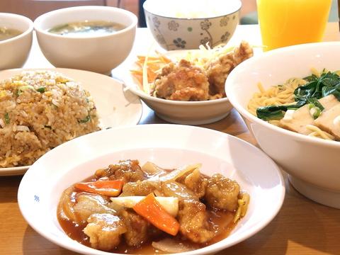 フードコート内で気軽に本格的中華料理が食べられるお店。炒飯がとっても美味しい!