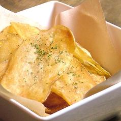 料理メニュー写真厚切りポテトチップス(塩orスパイス)