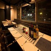 【最大12名様限定完全個室】2階には最大席数12名様まで可能な宴会個室がございます。お洒落に食べたい!お洒落に飲みたい!そんな方にはぴったりなお席です。豊橋駅でオシャレな空間を演出できるお店は当店ならでは!大切な宴会や飲み会にも最適です。ポイントが貯まるネット予約もあるので、ぜひともご利用ください。