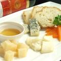 料理メニュー写真4種チーズ (小/大)