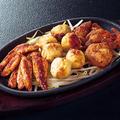 料理メニュー写真名物3種盛り(鶏セセリ/鶏かわ/本日の一品)