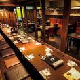 お座敷とテーブル席を組み合わせると最大70名でご宴会ができます。