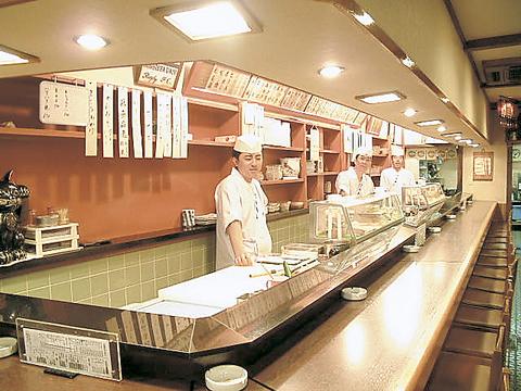 旬の江戸前寿司をお気軽に。宴会コースは3000円(税抜)!忘年会のご予約承り中!