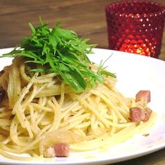 料理メニュー写真ベーコンと水菜のペペロンチーノ