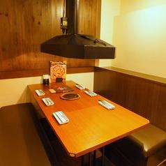 6名様テーブル。団体様用/半個室(焼肉 梅田 食べ飲み放題 食べ放題 飲み放題 チーズフォンデュ 誕生日 女子会 肉 チーズ)
