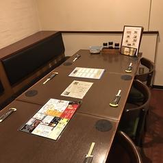 4名×4室、6名×2室/様々なシーンでご利用いただきやすいテーブル席も完備しております。