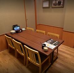 プライベートな集まりや、会食などにオススメな個室席。