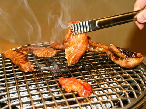 リーズナブルに本格的なお肉が楽しめるすき焼き、しゃぶしゃぶ、焼肉の牛天本店。