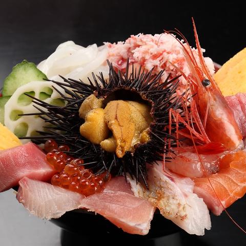 近江町市場の海鮮を堪能できる!!贅沢すぎる海鮮丼をお楽しみ頂けます♪