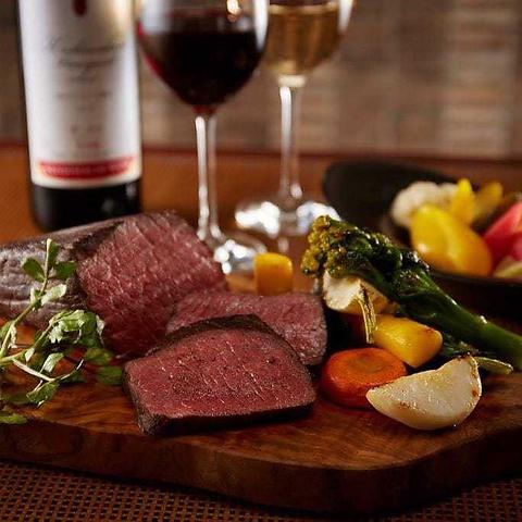 昼はゆったりランチ、夜は旬のお料理、新宿中村屋純印度式カリー&ワインでごゆっくり