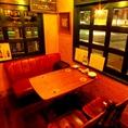 ソファ+テーブル席は女子会や合コン、少人数でお仲間で盛り上がるのに最適です。