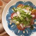 料理メニュー写真おすすめの旬の魚をカルパッチョで