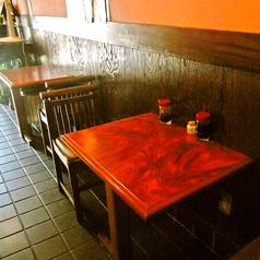 2人掛けのテーブル席は当店の1階にございます。