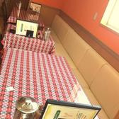 エスニックな飾り付けが◎ファミリーからデートまで、各種シーンで使いやすい!もちろんお一人様もOK!テーブルが動かせるので、大人数での宴会も承っております。