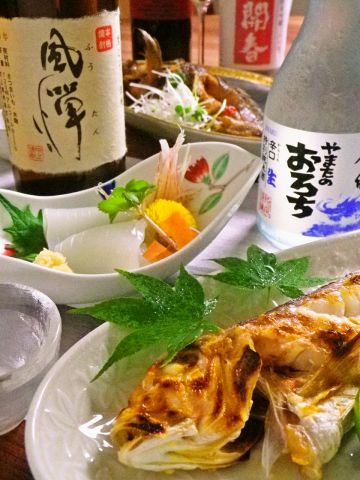 決まった献立はナシ!その日仕入れた新鮮な魚貝をお好みで調理してくれるお食事処。