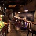 テーブル席◆お席間での移動がしやすいテーブルフロアは最大26名様まで貸切も受付中。会社宴会など大人数様での宴会、パーティーにご利用くださいませ。レイアウトのご希望もお気軽にご相談ください!宴会コースに+1,000円~飲み放題をお付けすることが可能です。サングリアなど豊富な飲み放題メニューをご用意!