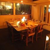 【2階】テーブルを囲ってみんなで食事ができる8名掛けの特等席♪