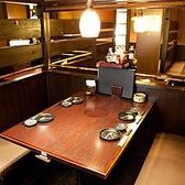 テーブル席のBOXタイプ。 2名様~6名様まで、多数ご用意