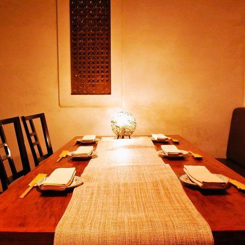 4名様~12名様位までの個室です。記念日・誕生日のお食事や接待に。